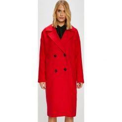 Vero Moda - Płaszcz. Czerwone płaszcze damskie marki Vero Moda, l, z elastanu, klasyczne. Za 339,90 zł.