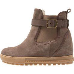 Aigle CHELSWARM Ankle boot taupe. Brązowe buty zimowe damskie Aigle, z materiału. Za 649,00 zł.