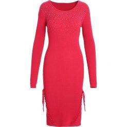 Czerwona Sukienka And I Love Her. Czerwone sukienki marki Born2be, l, z dzianiny. Za 74,99 zł.