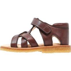 ANGULUS Sandały brown. Brązowe sandały chłopięce ANGULUS, z materiału, z otwartym noskiem. W wyprzedaży za 359,20 zł.