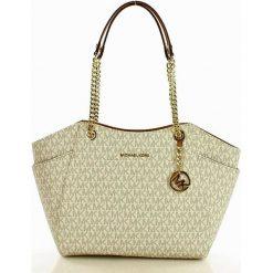Logowana torebka kuferek MICHAEL KORS - JET SET TRAVEL - vanilla/acorn. Białe kuferki damskie Michael Kors, na ramię. Za 1399,00 zł.