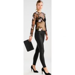 Bluzki asymetryczne: Moves MADELIA  Bluzka z długim rękawem black