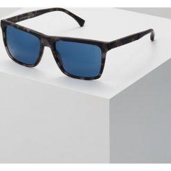 Emporio Armani Okulary przeciwsłoneczne matte grey havana. Szare okulary przeciwsłoneczne męskie wayfarery Emporio Armani. Za 529,00 zł.