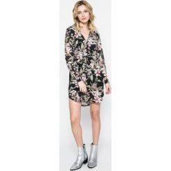Answear - Sukienka. Szare sukienki mini marki ANSWEAR, na co dzień, l, z poliesteru, casualowe. W wyprzedaży za 89,90 zł.
