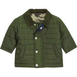 Next Kurtka zimowa green. Zielone kurtki chłopięce zimowe marki Next, z materiału. W wyprzedaży za 126,65 zł.