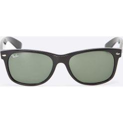 Ray-Ban - Okulary New Wayfarer. Szare okulary przeciwsłoneczne męskie wayfarery marki Ray-Ban, z materiału. Za 479,90 zł.