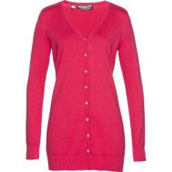 Długi sweter rozpinany bonprix różowy hibiskus. Czerwone kardigany damskie bonprix. Za 59,99 zł.