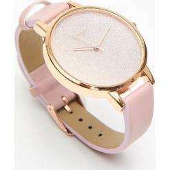Zegarek z brokatową tarczą - Różowy. Czerwone zegarki damskie Cropp. Za 39,99 zł.