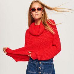 Sweter z obszernym golfem - Czerwony. Białe golfy damskie marki Reserved, l, z dzianiny. Za 69,99 zł.