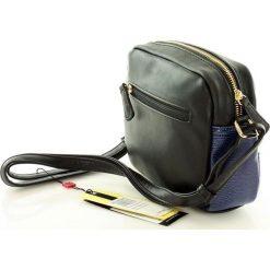 Lifestylowa listonoszka granatowy. Niebieskie torby na ramię męskie Monnari, w paski, ze skóry ekologicznej, przez ramię. Za 129,00 zł.
