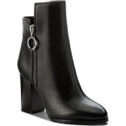 Botki BOSS - Adelia 50376678 10202331 01 Black 001. Czarne buty zimowe damskie Boss, ze skóry. W wyprzedaży za 949,00 zł.