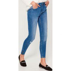 Jeansy skinny high waist - Niebieski. Niebieskie spodnie z wysokim stanem Mohito, z jeansu. Za 119,99 zł.