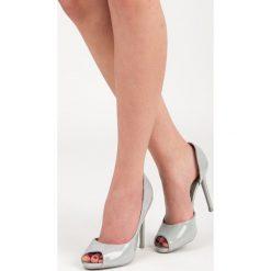 Lakierowane szpilki open toe SKYE. Szare szpilki SEASTAR, z lakierowanej skóry. Za 89,99 zł.