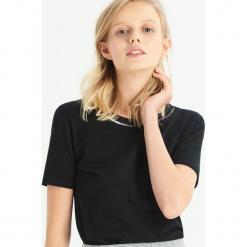 T-shirt z biżuteryjną aplikcją - Czarny. Czarne t-shirty damskie Sinsay, l. Za 24,99 zł.