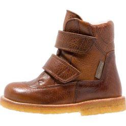 ANGULUS Kozaki medium brown. Brązowe buty zimowe damskie ANGULUS, z materiału, na wysokim obcasie. W wyprzedaży za 389,40 zł.