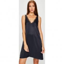 Review - Sukienka. Sukienki małe czarne marki Review, l, z tkaniny, z okrągłym kołnierzem. Za 149,90 zł.