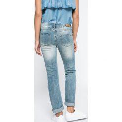 Review - Jeansy Susi. Szare jeansy damskie slim Review. W wyprzedaży za 119,90 zł.