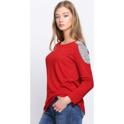 Swetry klasyczne damskie: Czerwony Sweter Unwritten