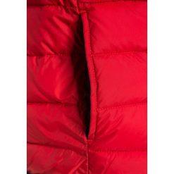 Timberland Kurtka zimowa rotorange. Czerwone kurtki chłopięce zimowe marki Reserved, z kapturem. W wyprzedaży za 359,20 zł.
