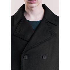 DRYKORN KONAI Krótki płaszcz black. Czarne płaszcze wełniane męskie marki DRYKORN, m. W wyprzedaży za 935,20 zł.