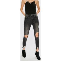 Noisy May - Jeansy Lexi. Szare jeansy damskie rurki marki Noisy May, z bawełny. W wyprzedaży za 89,90 zł.