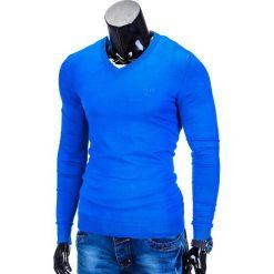 SWETER MĘSKI E74 - NIEBIESKI. Niebieskie swetry klasyczne męskie marki Ombre Clothing, m, z bawełny, z dekoltem w serek. Za 49,00 zł.
