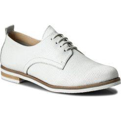 Oxfordy CAPRICE - 9-23200-20 White Perlato 139. Białe jazzówki damskie Caprice, z materiału, na obcasie. W wyprzedaży za 179,00 zł.