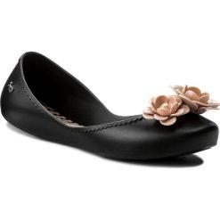 Baleriny ZAXY - Start V Fem 82301 Black/Pink 50837 AA285054 02064. Czarne baleriny damskie Zaxy, z tworzywa sztucznego. W wyprzedaży za 129,00 zł.