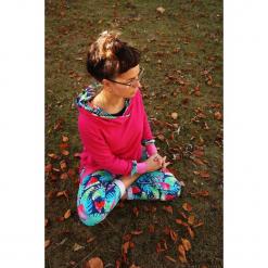 Różowa bluza damska - Papugi. Czerwone bluzy rozpinane damskie Pakamera, z nadrukiem, z bawełny. Za 189,00 zł.