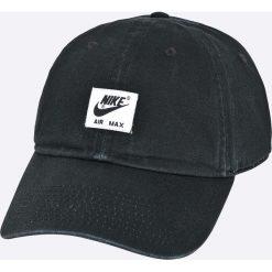 Nike Sportswear - Czapka. Czarne czapki z daszkiem męskie Nike Sportswear, z bawełny. W wyprzedaży za 79,90 zł.