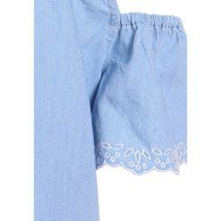 Abercrombie & Fitch HIGH NECK COLD SHOULDER  Bluzka chambray. Niebieskie bluzki dziewczęce bawełniane Abercrombie & Fitch. Za 129,00 zł.