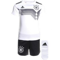 Adidas Performance DFB BABYKIT SET Krótkie spodenki sportowe white/black. Białe spodenki chłopięce adidas Performance, z materiału, sportowe. Za 249,00 zł.