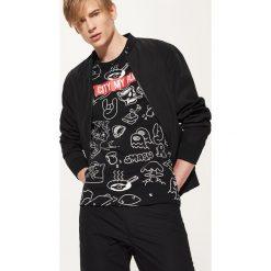 T-shirty męskie: T-shirt z rysunkami – Czarny