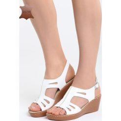 Białe Skórzane Sandały Three Musketeers. Białe sandały damskie marki Born2be, z materiału, na koturnie. Za 99,99 zł.
