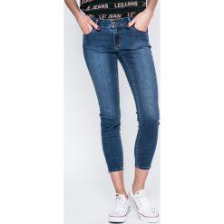 Vero Moda - Jeansy Five. Niebieskie jeansy damskie marki Vero Moda, z bawełny. W wyprzedaży za 99,90 zł.
