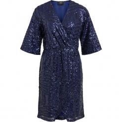 """Sukienka """"Evie"""" w kolorze granatowym. Niebieskie sukienki na komunię marki Vila & Co., z kopertowym dekoltem, midi, kopertowe. W wyprzedaży za 260,95 zł."""