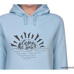 Bluza damska. Enjoy the sunset. Niebieskie bluzy rozpinane damskie Pakamera, z nadrukiem, z kapturem. Za 119,00 zł.