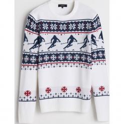 Sweter z motywem zimowym - Kremowy. Białe swetry klasyczne męskie marki Benetton, m. Za 119,99 zł.