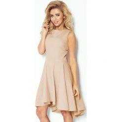 Sukienki: Gruba Lacosta – Ekskluzywna sukienka z dłuższym tyłem – BEŻOWA