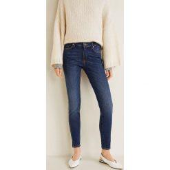 Mango - Jeansy push-up Uptown. Niebieskie jeansy damskie rurki marki Mango, z aplikacjami, z bawełny. Za 129,90 zł.