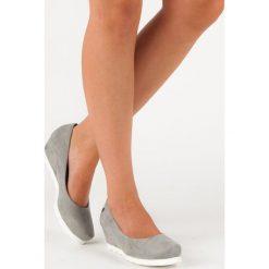 Buty ślubne damskie: ZAMSZOWE CZÓŁENKA DAMSKIE - odcienie szarości i srebra