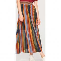 Dzianinowa sukienka z plisowanym dołem - Wielobarwn. Różowe sukienki dzianinowe Reserved, l, plisowane. Za 239,99 zł.