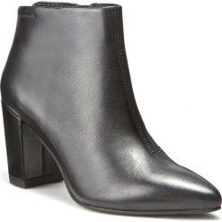 Botki VAGABOND - Saida 4219-001-20 Black. Czarne buty zimowe damskie marki Vagabond, z materiału, na obcasie. W wyprzedaży za 309,00 zł.