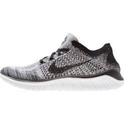 Nike Performance FREE RUN FLYKNIT 2018 Obuwie do biegania neutralne white/black. Białe buty do biegania męskie marki Nike Performance, z materiału. Za 549,00 zł.