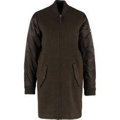 Obey Clothing BIRMINGHAM  Krótki płaszcz heather army. Brązowe płaszcze damskie pastelowe Obey Clothing, xs, z elastanu. W wyprzedaży za 441,35 zł.