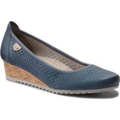 Półbuty JANA - 8-22305-20 Jeans 846. Niebieskie półbuty damskie na koturnie Jana, z jeansu. W wyprzedaży za 189,00 zł.