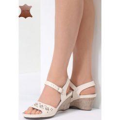 Beżowe Skórzane Sandały This Town. Brązowe sandały damskie marki Born2be, z materiału, na obcasie. Za 99,99 zł.