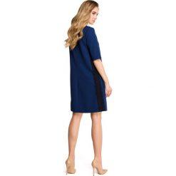 ISABELLE Sukienka z lampasem z koronki - granatowa. Niebieskie sukienki hiszpanki Stylove, na co dzień, s, w koronkowe wzory, z koronki. Za 159,90 zł.