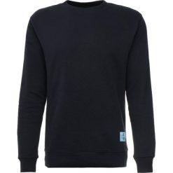 Calvin Klein Jeans MONOGRAM LOGO CREW NECK Bluza blue. Czarne bluzy męskie marki Calvin Klein Jeans, z bawełny. Za 379,00 zł.