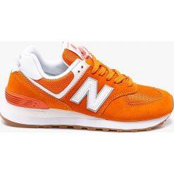 New Balance - Buty WL574ESU. Czerwone buty sportowe damskie marki New Balance, z gumy. W wyprzedaży za 279,90 zł.